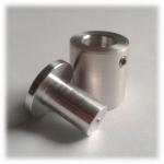 Távtartó 20/20 rozsdamentes acél 3 - 8 mm plexihez - átmérő 20 mm hosszúság 20 mm (rögzítés: 4 mm csavar)